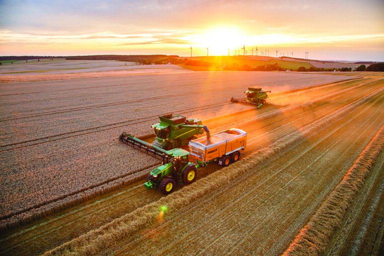 Un logiciel de gestion de travaux agricoles synchronisé à une application mobile
